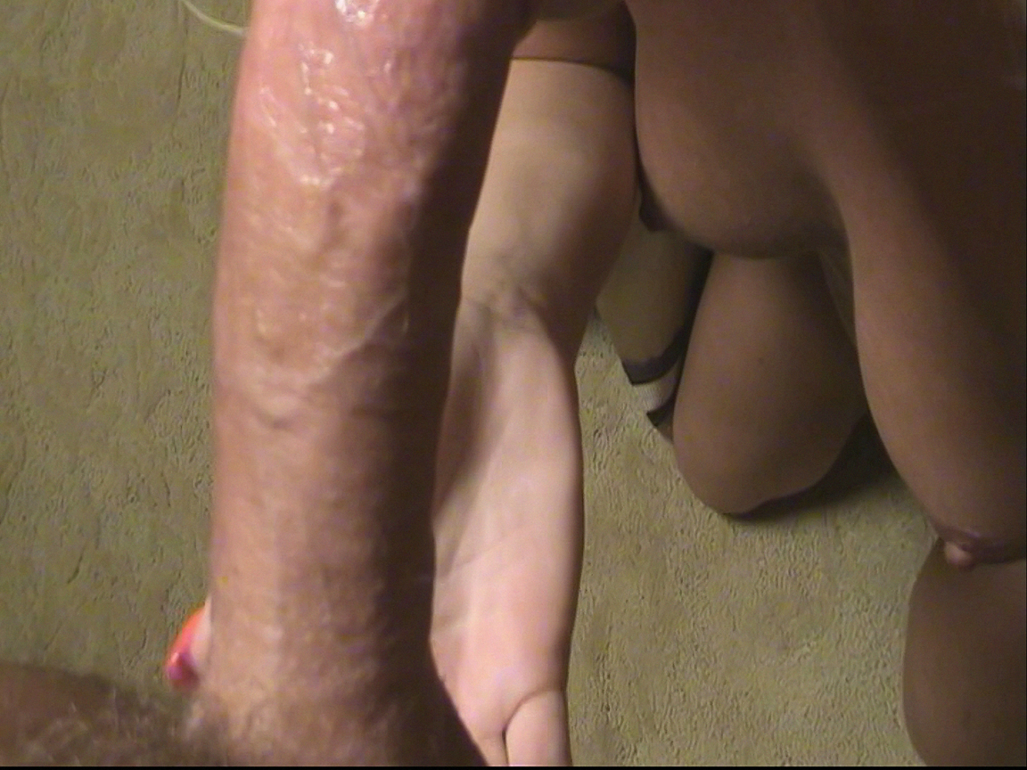 Pussy shaved sliding big cock into